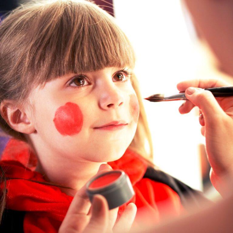 Kinderschminken - die_spassknoepfe - marienkaefer - firmenfest