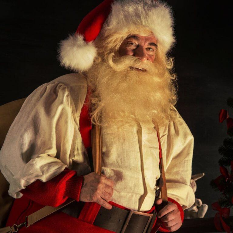 Weihnachtsmann_mieten - Nuernberg - Walking_act - nuernberg - Weihnachts_feier - Nikolaus_buchen - Kundenveranstaltung